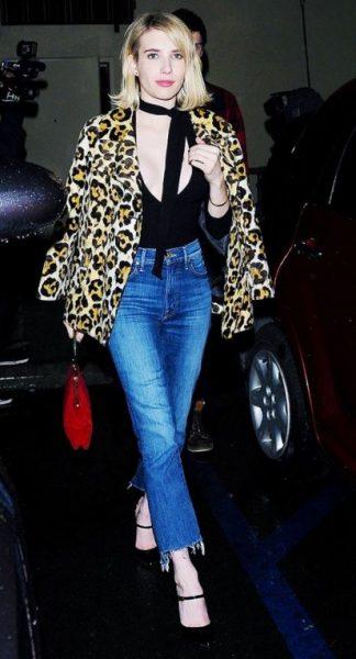 Cropped Frayed Hem Jeans